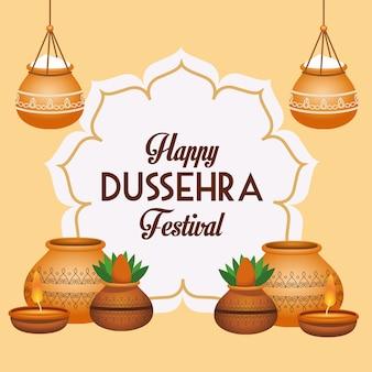 Manifesto del festival di dussehra felice con vasi in ceramica e cornice floreale