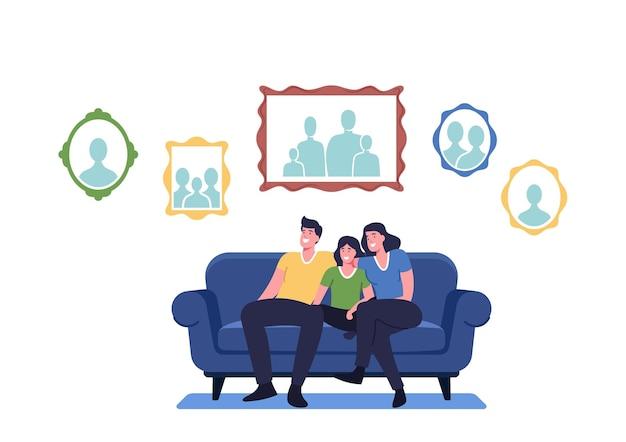 Famiglia felice seduta sul divano in soggiorno con foto appese al muro. personaggi di madre, padre e figlio a casa con la raccolta di ritratti fotografici di parenti. cartoon persone illustrazione vettoriale