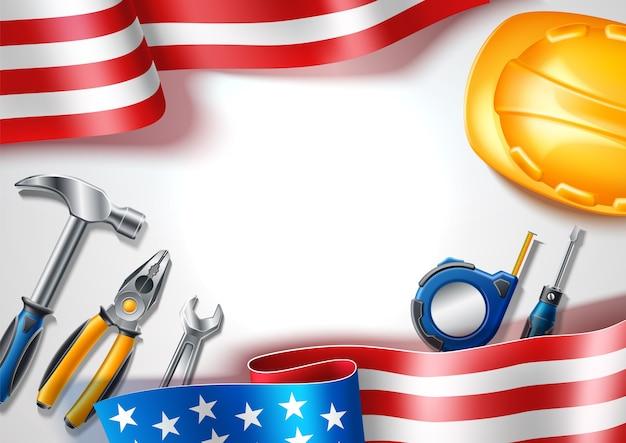 Manifesto di festa del lavoro felice per la festa nazionale usa con strumenti industriali realistici su sfondo di bandiera usa metro a nastro, chiave d'argento, cacciavite e cappello di sicurezza.