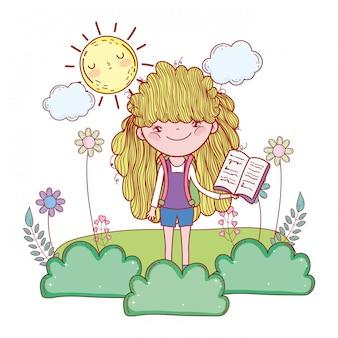Libro di lettura felice della bambina con il sole kawaii
