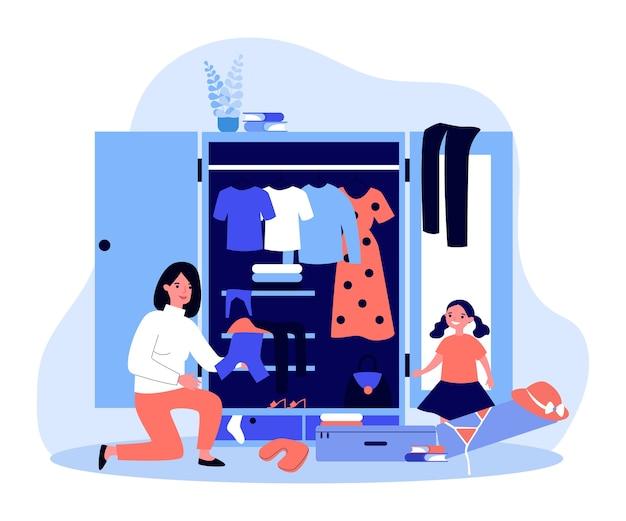 Felice mamma e figlia che fanno le valigie per il viaggio estivo. illustrazione di valigia, vestiti, costume da bagno e cappello. vacanze in famiglia, viaggi, concetto di vacanza per banner, sito web o pagina web di destinazione