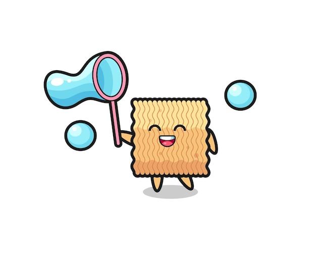 Felice fumetto di spaghetti istantanei crudi che gioca a bolle di sapone, design in stile carino per maglietta, adesivo, elemento logo