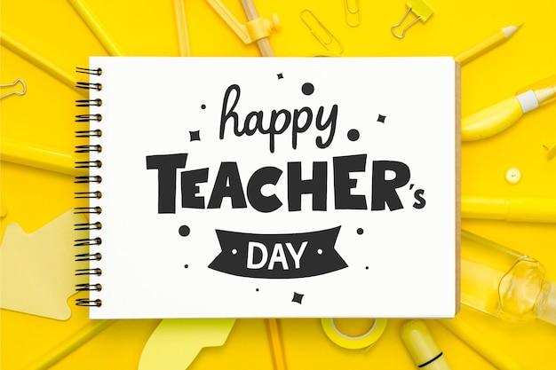 Stile di iscrizione del giorno degli insegnanti felici Vettore Premium