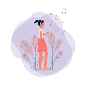 Happy teen girl personaggio dei fumetti ascoltando musica in cuffia su sfondo di foglie, segni di note musicali e forme astratte, illustrazione.