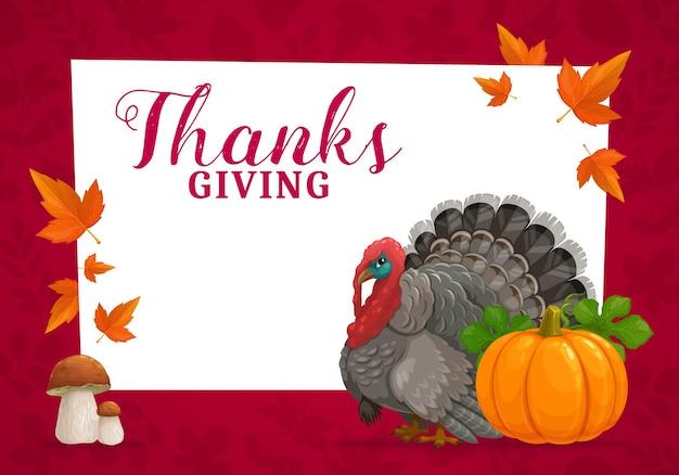 Happy thanks giving cornice con tacchino, zucca, funghi porcini e foglie di acero cadute in autunno. congratulazioni per il giorno del ringraziamento, saluto di evento di festa di autunno