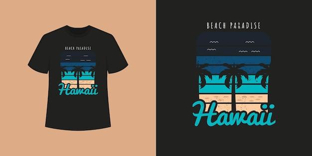 Stile della maglietta della spiaggia dell'oceano delle hawaii e design di abbigliamento alla moda con sagome di alberi, tipografia, stampa, illustrazione vettoriale.