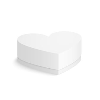Confezione di cartone cuore isolato su sfondo bianco.