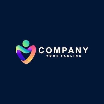 Design del logo con gradiente di colore del cuore
