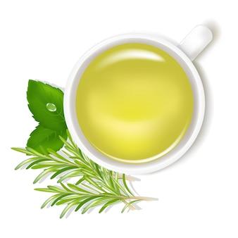 Tè di erbe con menta e rosmarino isolati