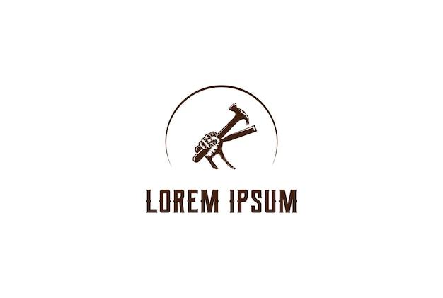 Hipster rustico han tenere martello e scalpello per falegnameria lavorazione del legno logo design vector