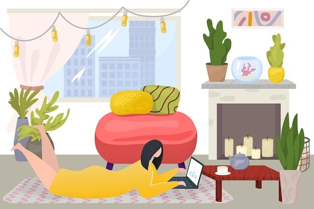 Lavoro di ufficio a casa, illustrazione vettoriale. personaggio piatto donna usa laptop per affari su internet, persona sdraiata sul pavimento, interni accoglienti con pianta, candela. posto di lavoro freelance in soggiorno.