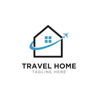 Modello di progettazione del logo di viaggio in aereo domestico. vettore di combinazione di logo immobiliare e aereo