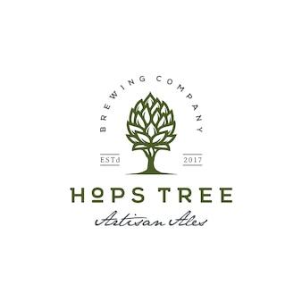 Luppolo e albero per il logo vintage beer brewery