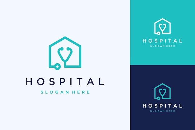 Logo di design ospedaliero o stetoscopio con casa