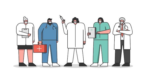 Medici del personale ospedaliero in abito medica con strumenti medici
