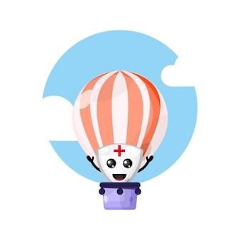Simpatico personaggio mascotte scudo mongolfiera