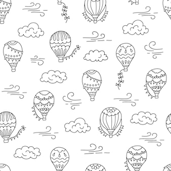 Mongolfiere e nuvole reticolo senza giunte disegnato a mano illustrazione in stile doodle su sfondo bianco