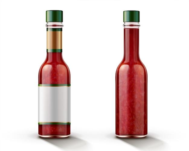 Bottiglia di salsa di peperoncino piccante con etichetta vuota in 3d