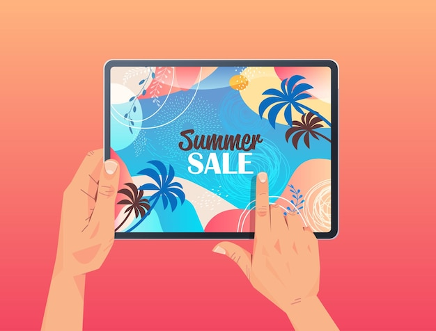 Mani umane utilizzando tablet pc con volantino banner vendita estiva o biglietto di auguri sullo schermo illustrazione orizzontale
