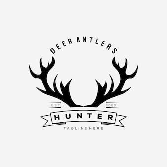 Progettazione dell'illustrazione di vettore del logo delle corna di cervo del cacciatore