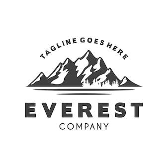 Ice snow rocky mountain logo design logo del paesaggio di montagna per l'escursionismo