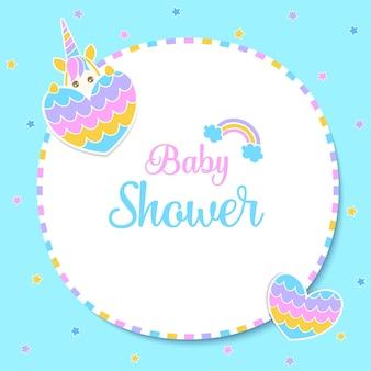 Illustrazione baby shower unicorno con sfondo blu cuore arcobaleno.