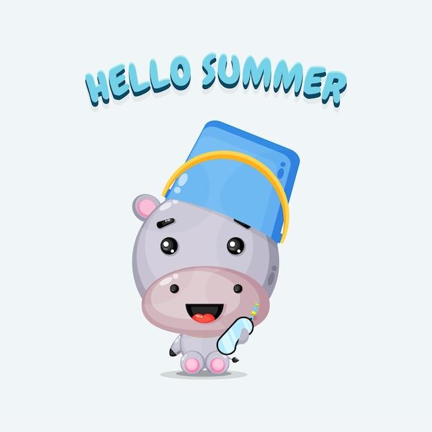 Illustrazione della simpatica mascotte ippopotamo che indossa un cappello a secchiello con auguri estivi