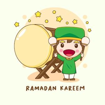 Illustrazione del carattere carino ragazzo musulmano con bedug o tamburo islamico