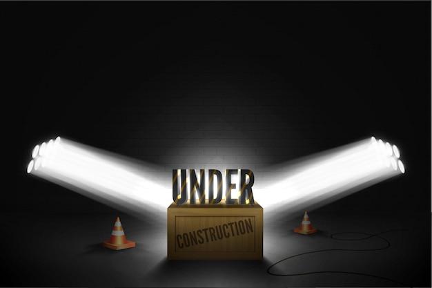 Illustrazione del testo scuro in piedi sulla scatola di legno in un fascio luminoso di luci della ribalta su uno sfondo nero grunge muro di mattoni. errore web 404 non trovato nei riflettori che si illuminano sui coni a strisce arancioni.