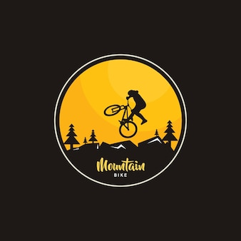 Illustrazione del design del logo mountain bike, silhouette bici