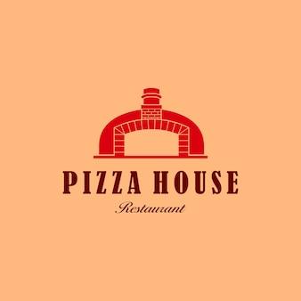 Illustrazione pizza cibo fatto in casa con il simbolo del ristorante del design del logo del mattone per cuocere al forno