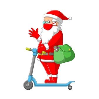 L'illustrazione del babbo natale che indossa il costume rosso e tiene la borsa verde con lo scooter