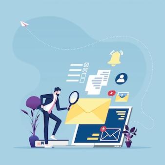 Ricerca di informazioni - uomo d'affari con la lente d'ingrandimento che cerca informazioni online
