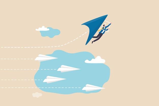 Modo innovativo per vincere la competizione aziendale, pensare alla differenza o scegliere la nostra direzione vincente, concetto di ambizione e creatività, uomo d'affari che vola su aliante in direzione di crescita per vincere la sfida