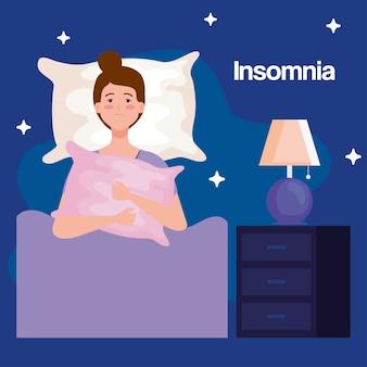 Donna di insonnia sul letto con cuscino e design della lampada, tema del sonno e della notte