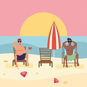 Uomini interrazziali sulla spiaggia che praticano la distanza sociale