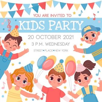 Poster di invito per feste di compleanno o bambini con personaggi dei cartoni animati. evento di scuola o scuola materna con modello vettoriale di ragazzi e ragazze felici. amici allegri che si riuniscono per la celebrazione dell'evento
