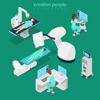 Attrezzature moderne dell'ospedale piatto isometrico, illustrazione diagnostica del computer