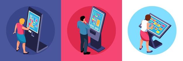 Utenti interattivi isometrici che utilizzano l'illustrazione del touchscreen Vettore Premium