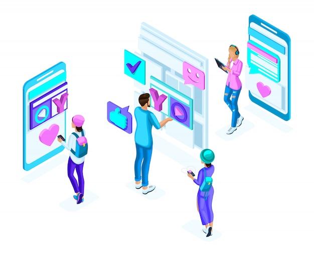 Adolescenti isometrici, utilizzare gadget, telefoni, generazione z, concetto colorato di corrispondenza dei social network, un insieme di persone olografiche