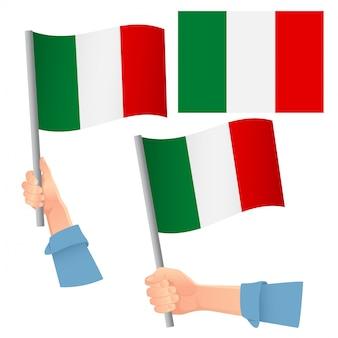 Set bandiera italiana in mano
