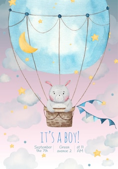 È un ragazzo biglietto d'invito per bambini con simpatico coniglio in un palloncino tra le stelle e le nuvole