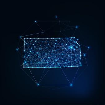 Kansas stato usa mappa sagoma sagoma incandescente fatto di stelle linee punti triangoli, forme poligonali basse. comunicazione, concetto di tecnologie internet. wireframe futuristico