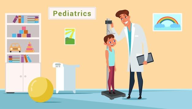 Kid in pediatria clinica illustrazione. pediatra senior che misura l'altezza del ragazzo. bambino spaventato in clipart di studio medico. personaggi dei cartoni animati medico e paziente. appuntamento dal dottore