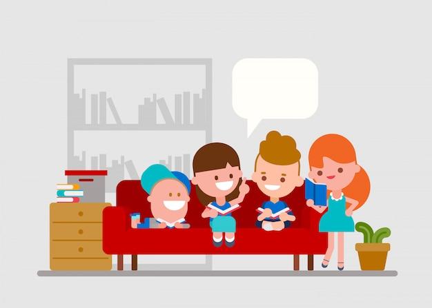 Bambini che fanno i compiti con gli amici.