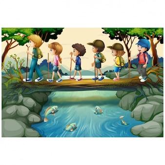Bambini che vanno a fare una passeggiata attraverso il paese
