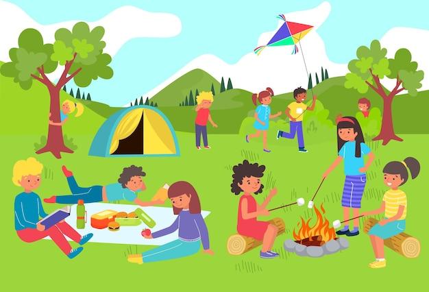 I bambini si divertono e giocano nel campo estivo Vettore Premium