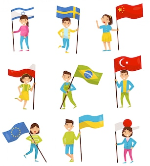 Bambini che tengono le bandiere nazionali di diversi paesi, elementi per la festa dell'indipendenza, illustrazioni di giorno della bandiera su uno sfondo bianco