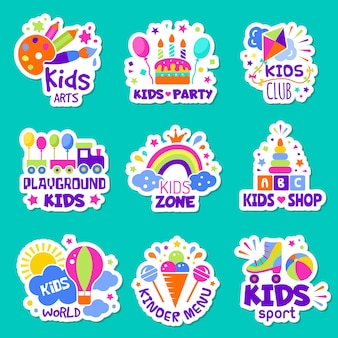 Marchio dei bambini. giocattoli negozio identità bambini creativi club badge bambini che giocano la raccolta di vettore di simboli di zona. distintivo adesivo illustrazione, logo della stanza dei giochi per bambini e area del luogo