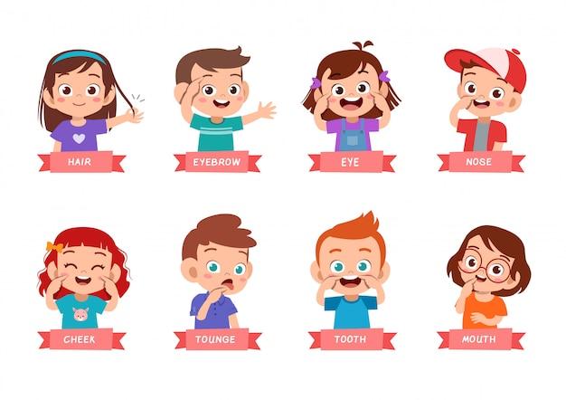 Bambini che indicano il set di parti del corpo